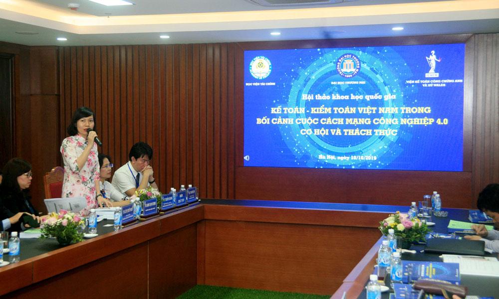Bà Đặng Thị Mai Trang, Trưởng đại diện ICAEW tại Việt Nam cho rằng người làm kế toán tài chính trong tương lai sẽ cần nhiều kỹ năng mới để đáp ứng nhu cầu thị trường lao động trong bối cảnh cuộc cách mạng công nghiệp 4.0.